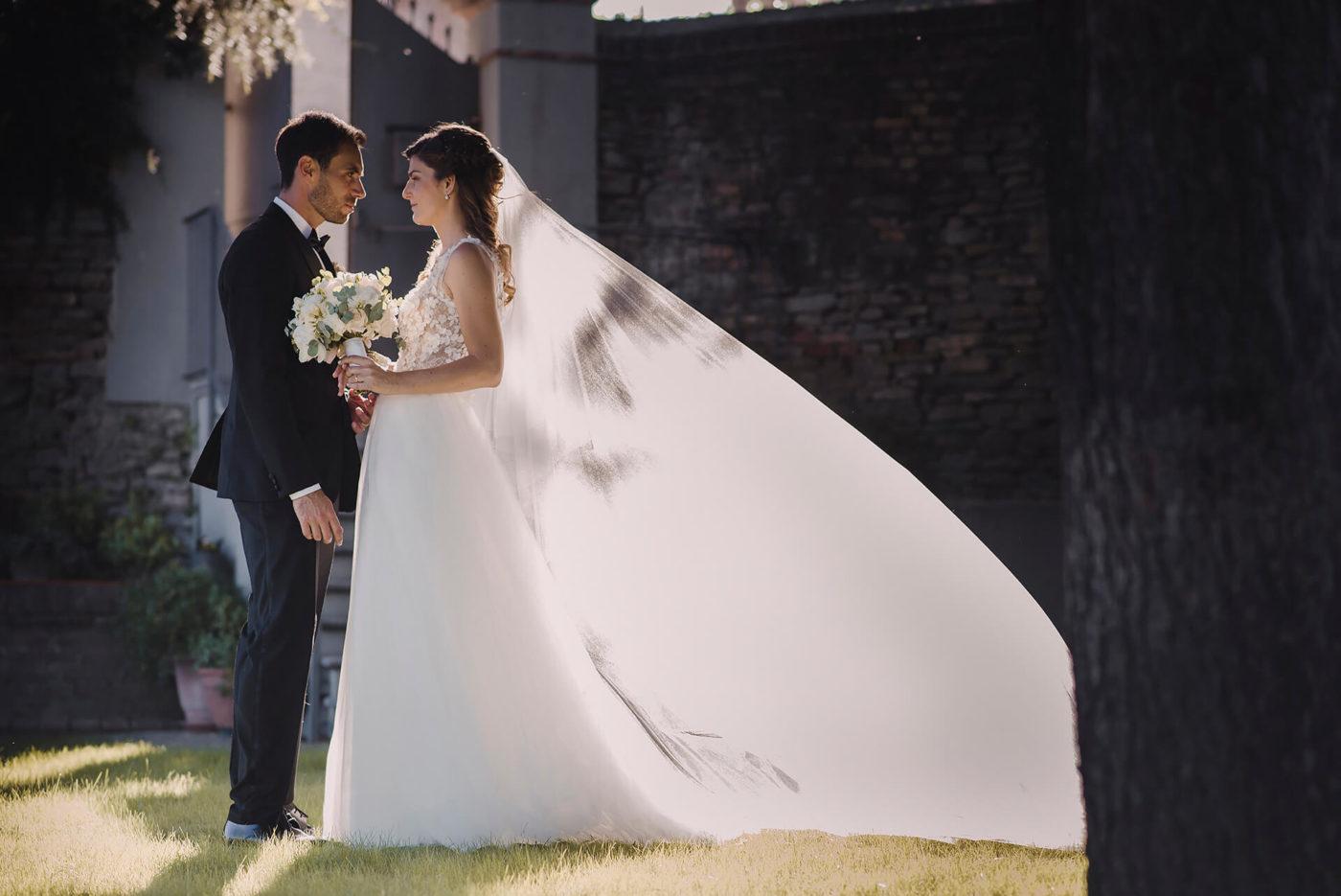 Sposi servizio fotografico matrimoniale al tramonto a Canelli di Francesco Matturro